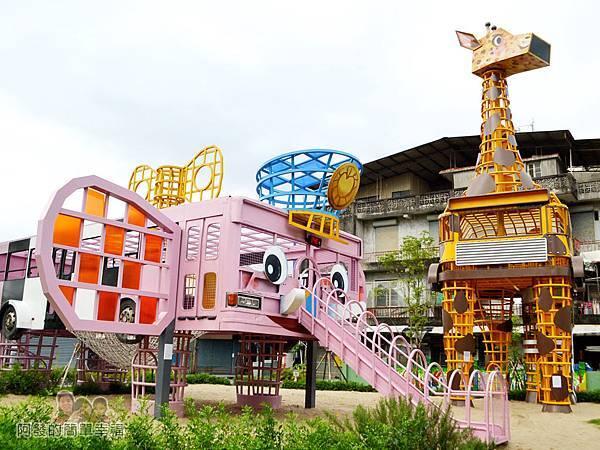 幸福轉運站30-粉紅大象溜滑梯與長頸鹿登高台