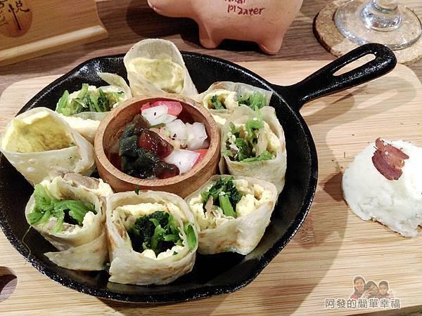 喜悅早餐坊12-鐵鍋蛋餅+30元套餐II