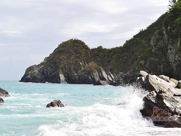 蘇澳粉鳥林21-海浪與岩石