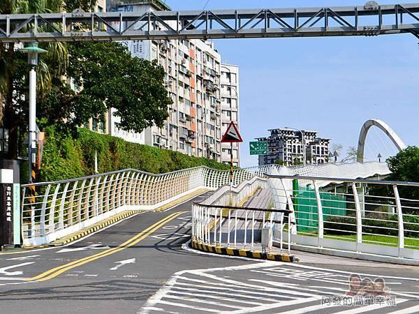 新店溪右岸11-古亭河濱公園-上橋往客家文化中心