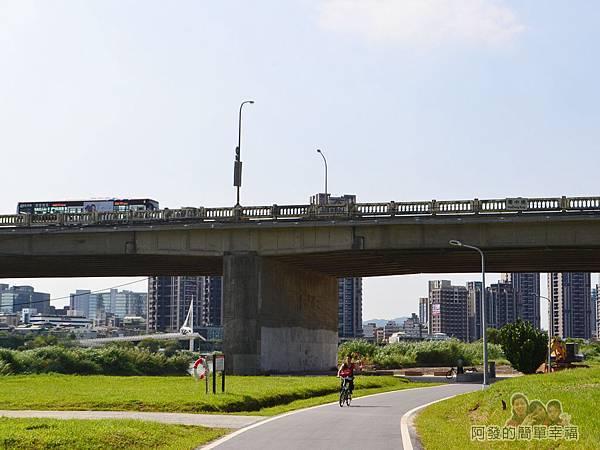 新店溪右岸22-華中橋