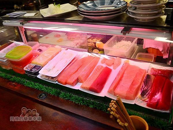 新宿食事處09-各式生魚片