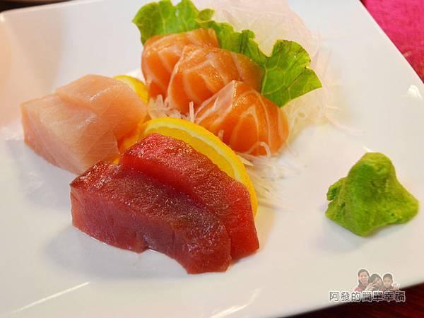新宿食事處23-超值生魚片