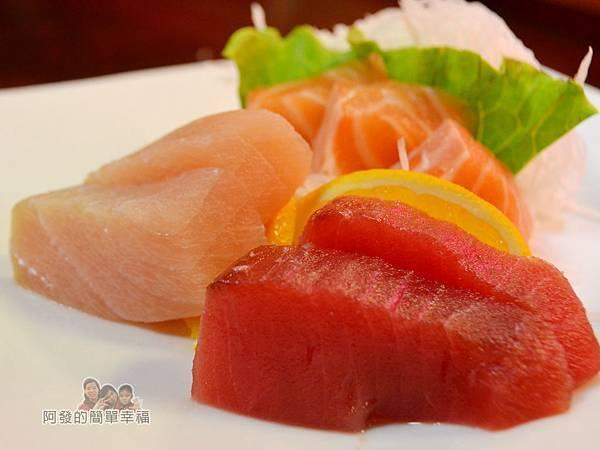 新宿食事處24-超值生魚片-鮪魚-旗魚-鮭魚