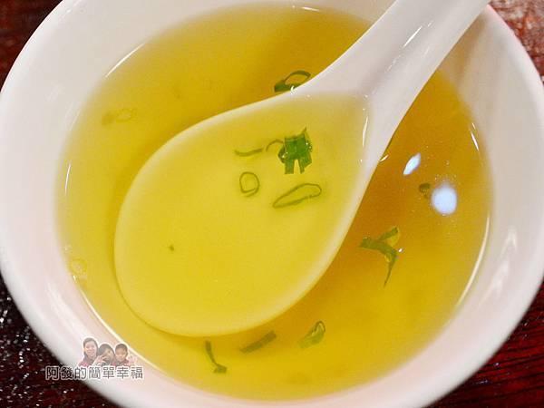 新宿食事處29-關東煮湯頭