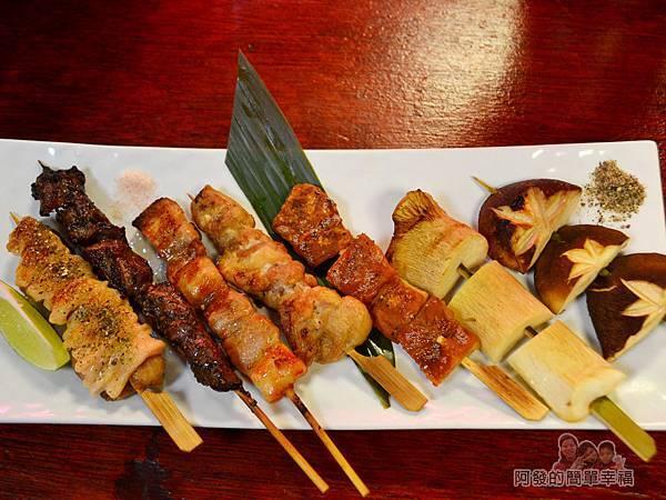 新宿食事處31-綜合串燒7串
