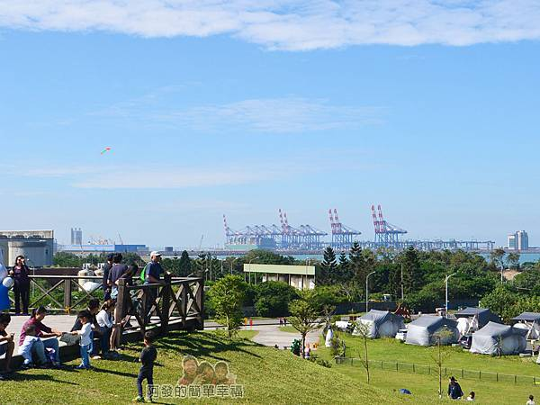 八里-十三行文化公園36-觀景台往台北港的景色