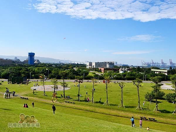 八里-十三行文化公園38-小山丘上鳥瞰文化公園