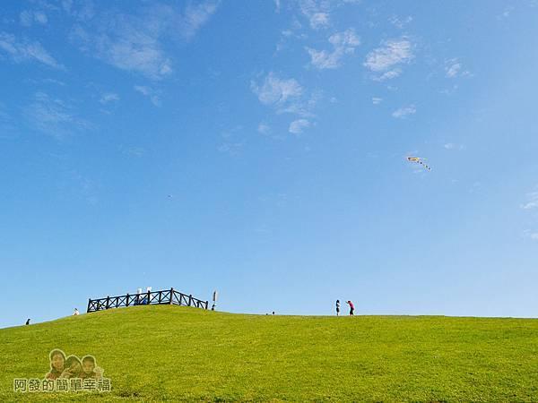 八里-十三行文化公園39-文化公園頗有擎天崗的Fu