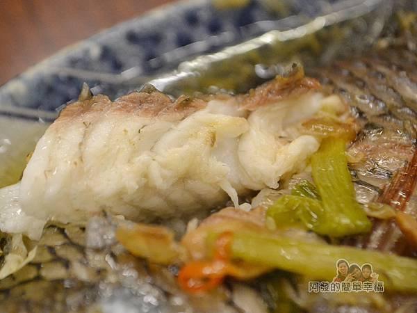 許家莊魯肉飯17-鹹水黑鯽魚肉質
