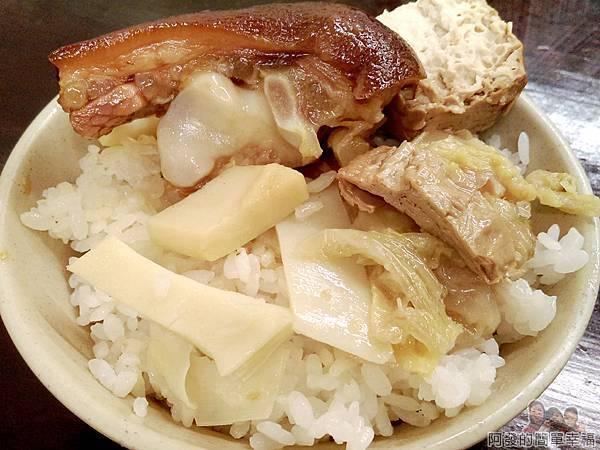 許家莊魯肉飯28-傳統餐桌飯菜香