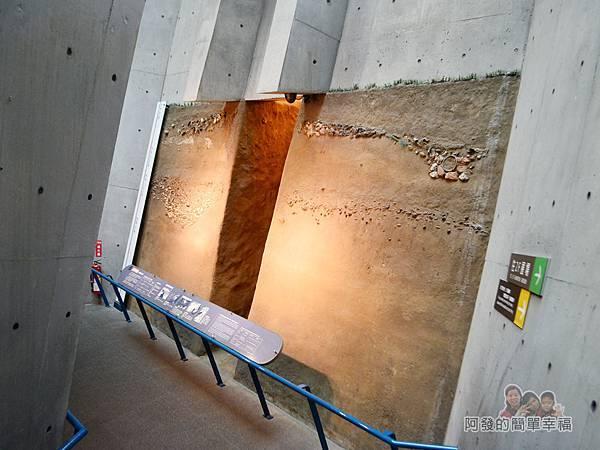 十三行博物館14-十三行遺址地層模型