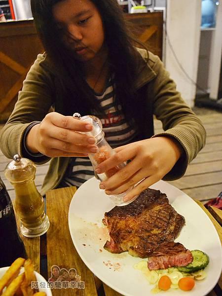紅牛原味炭烤牛排23-21oz炭火肩胛牛排簡單調味