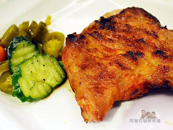 紅牛原味炭烤牛排32-美國大雞腿排(墨西哥香辣)特寫