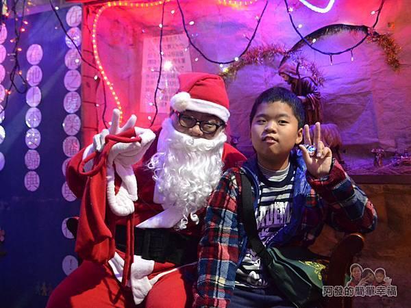 吉慶里聖誕巷10-與聖誕老公公合影