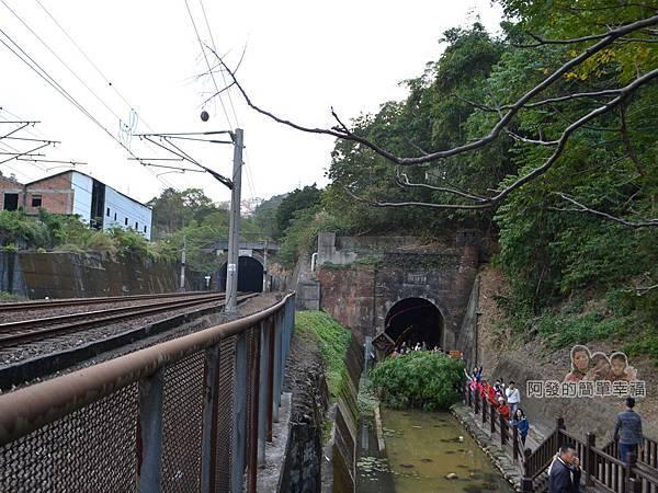 功維敘隧道12-新與舊火車隧道
