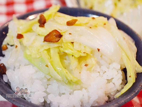 花生炒高麗菜09-鹹香甘甜下飯