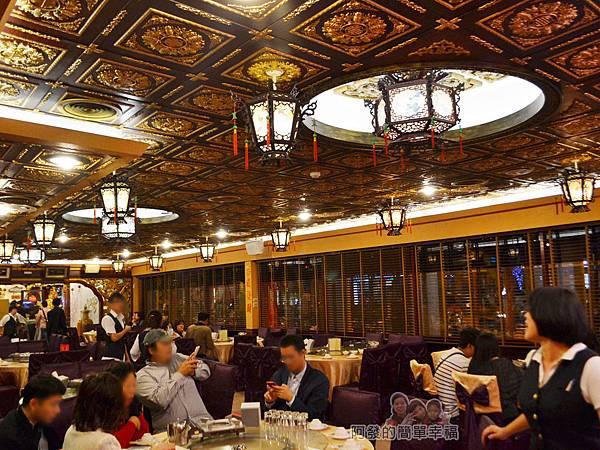海釣族06-一般用餐區富麗堂皇的宮庭風