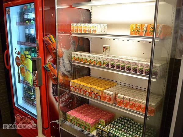 極鮮火鍋23-瓶罐裝冷飲區