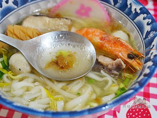 28老店33-什錦麵湯頭