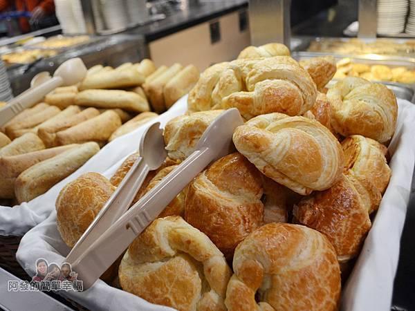 IKEA(早餐)16-麵包區-可頌n麥香巧巴達