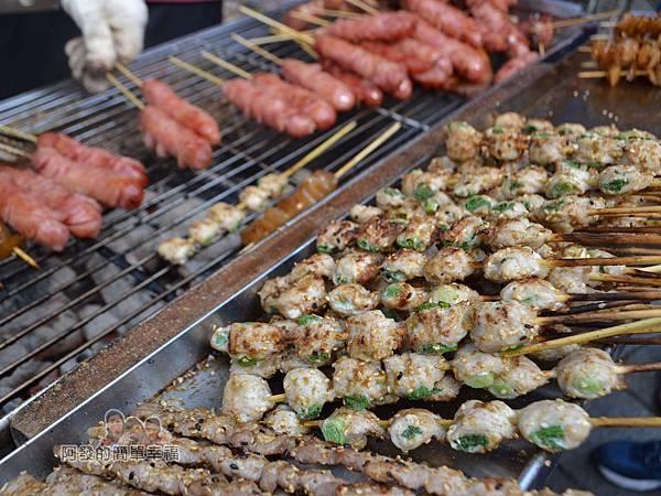 黑皮臭豆腐13-火爐上的烤肉