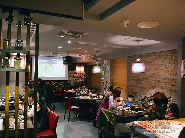 齊味麻辣鴛鴦火鍋08-1樓的用餐環境