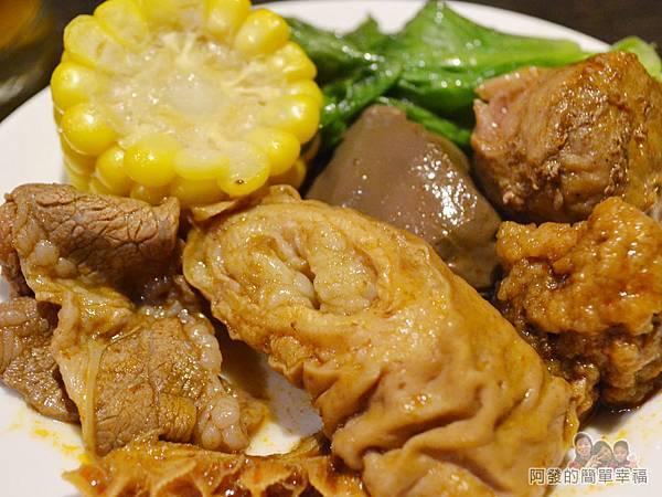 齊味麻辣鴛鴦火鍋33-肥美的大腸頭