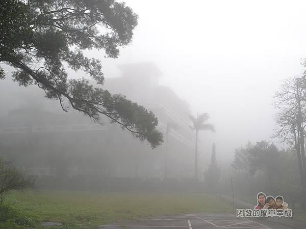 大尖山賞櫻22-雲霧瀰漫中彌勒山天道清修院