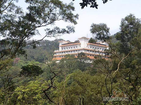 大尖山賞櫻39-彌勒山天道清修院清楚的樣貌