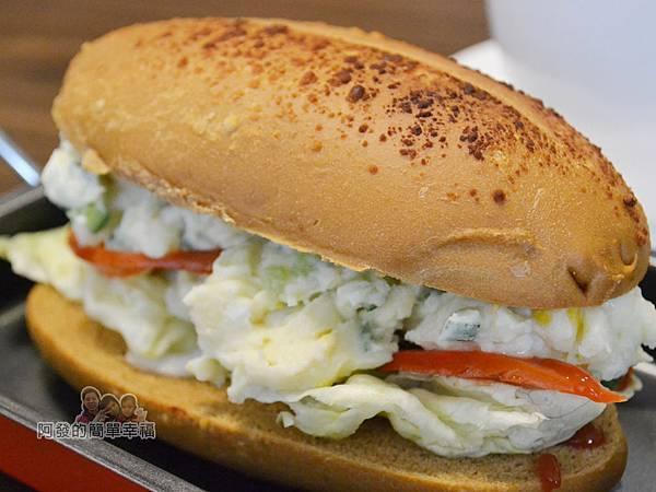 瑞比早午餐23-歐式乾酪潛艇堡(蘋果薯泥沙拉)外觀
