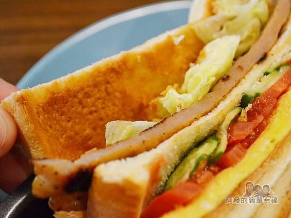 瑞比早午餐29-花生醬里肌豬排三明治-花生醬