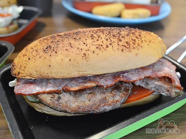 瑞比早午餐31-歐式乾酪潛艇堡(厚牛培根)