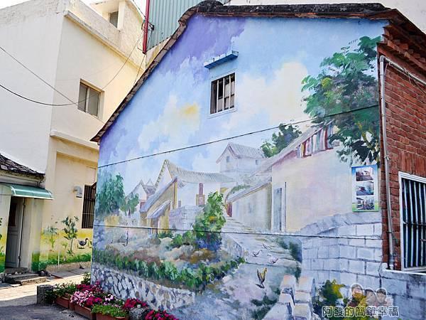 坑口彩繪村23-牆面有如一幅美麗的農村畫作