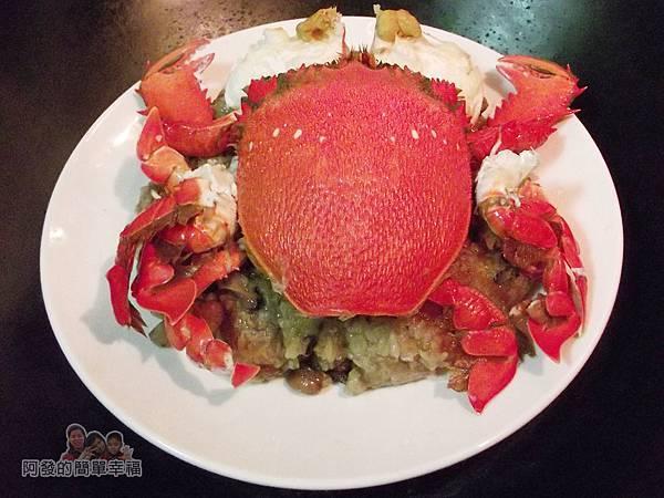 肉粽變螃蟹米糕08-擺上螃蟹大火蒸5分鐘