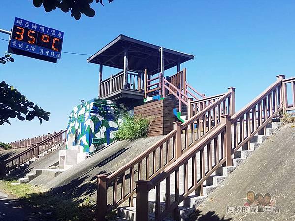 新竹市香山-風情海岸07-觀景台下為舊碉堡