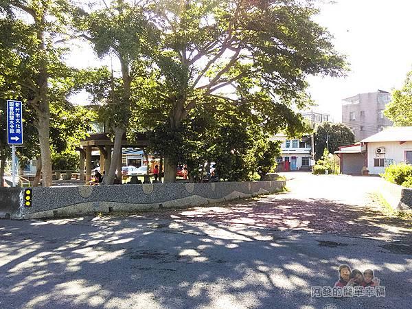 新竹市香山-豎琴橋02-新竹市文化局圖書館鹽水分館入口