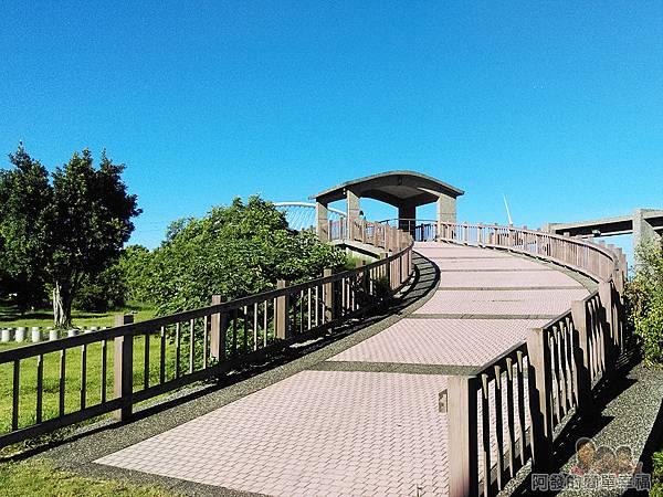 新竹市香山-豎琴橋05-步道連接豎琴橋
