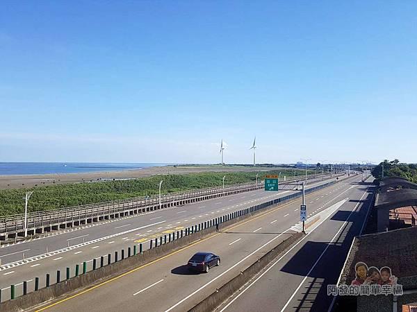 新竹市香山-豎琴橋15-橋上風景-西濱快速公路往北