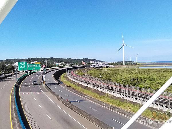 新竹市香山-豎琴橋19-橋上風景-西濱快速公路往南