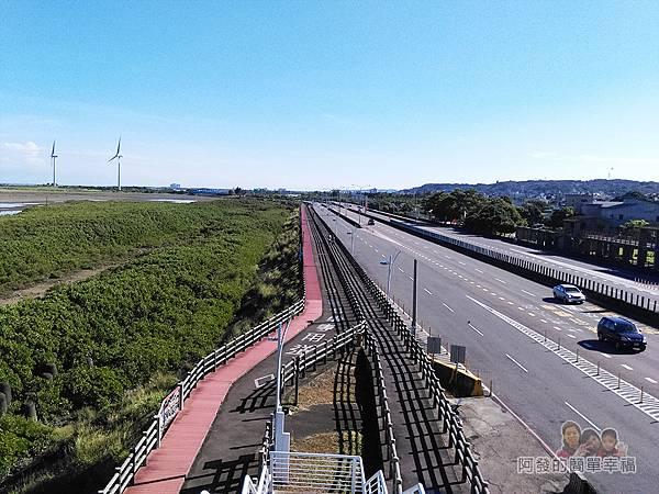 新竹市香山-豎琴橋27-橋上風景-新竹17公里海岸線自行車道往北