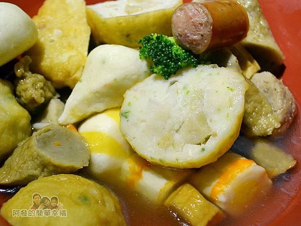 一串日式關東煮37-火鍋料與甜不辣特寫