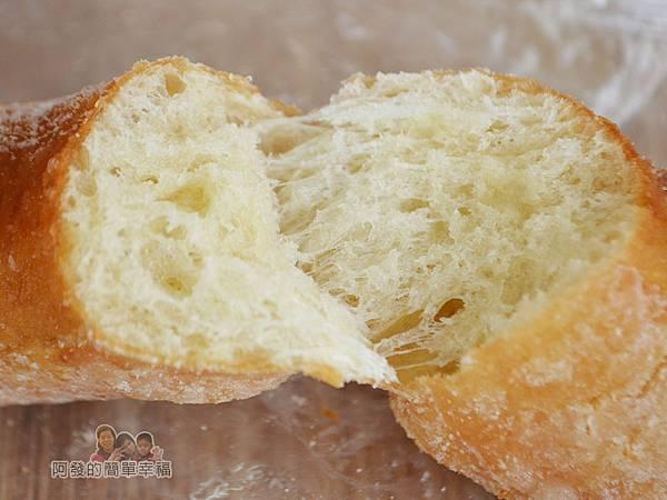 溫不一樣三明治甜甜圈12-甜甜圈剖面