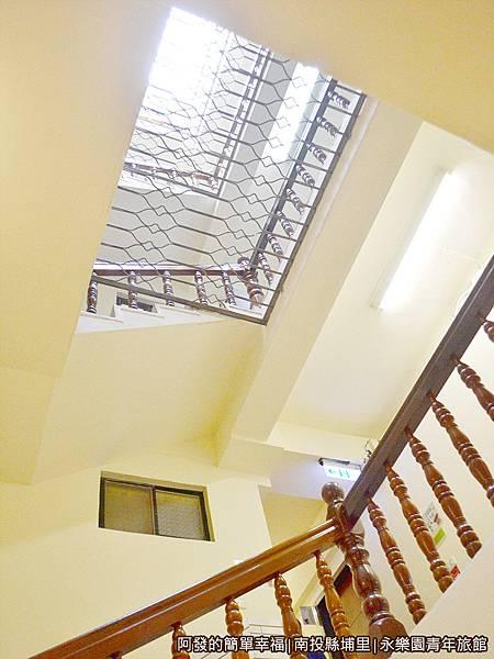 永樂園青年旅館24-天井