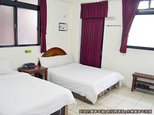 永樂園青年旅館29-經濟3人房(一大一小床)