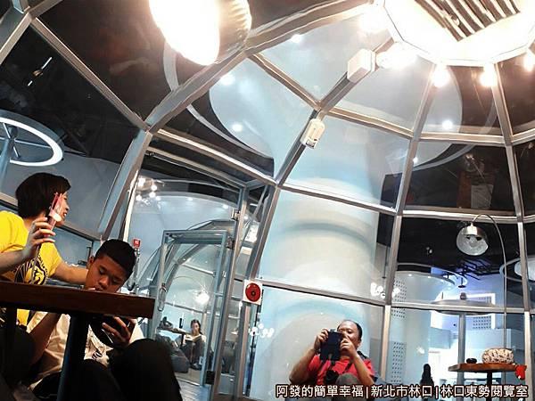 林口東勢閱覽室23-玻璃帷幕屋內一景.jpg