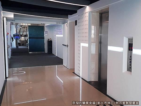 林口東勢閱覽室02-星際戰艦內廊道.jpg