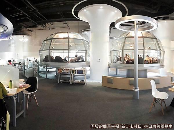 林口東勢閱覽室17-準備走進玻璃帷幕屋閱覽區.jpg