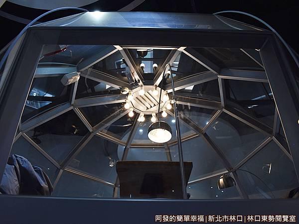林口東勢閱覽室19-透明的太空休息艙外觀一景.JPG