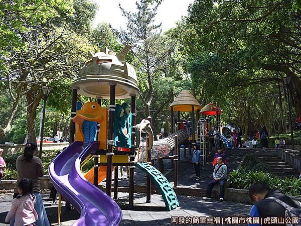 虎頭山公園18-靠近三聖路側的遊戲區.JPG